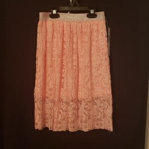Lace skirt with tank top & vest